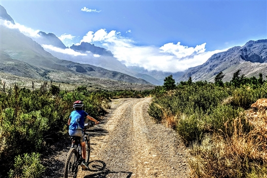 Jonkershoek Valley and Stellenbosch Ebike tour